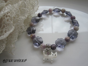 Purpleflowerglassbrecat2