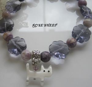 Purpleflowerglassbrecat3